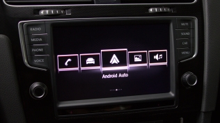 AndroidAuto-01