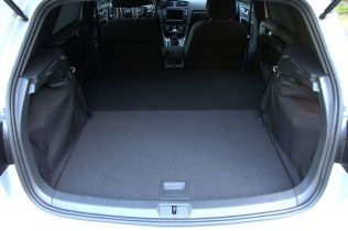 Here is the full view of the cargo area, soon to be covered with Denier canvas...