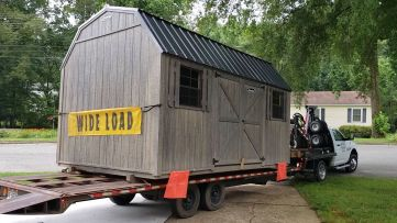 This shed weighs 9600 lbs empty...